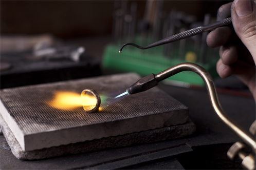 Soldering the signet ring